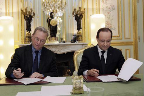 Eric Schmidt, président exécutif de Google, et François Hollande, ce vendredi à l'Élysée.