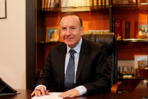 «Il faudrait que Laurence Parisot dise que toute modification de la gouvernance, si elle est décidée, ne s'appliquera pas à elle», avance Pierre Gattaz.