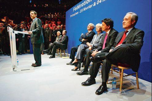 Nicolas Sarkozy, alors président de l'UMP, ouvre le 20février 2006 un débat réunissant les quatre candidats à l'investiture pour la mairie de Paris: Jean Tiberi, Pierre Lellouche, Françoise de Panafieu et Claude Goasguen.
