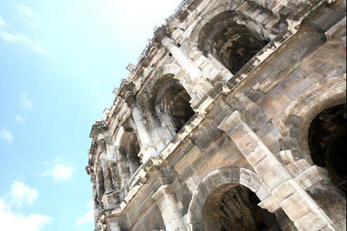 En quatre mois, cinq personnes se sont jetées du haut des arènes de Nîmes.