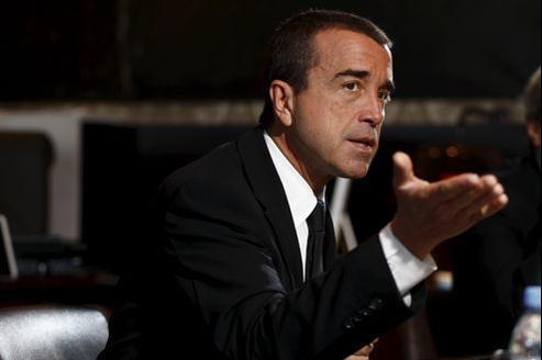 Le groupe dirigé par Arnaud Lagardère demande l'annulation de la convention de trésorerie qui permet au groupe Vivendi de disposer du cash généré par Canal+France.