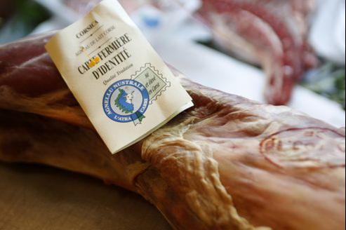 Produits alimentaires issus de l'agriculture biologique, exposés au Salon de l'agriculture à Paris le 25/02/08 Martine ARCHAMBAULT/ Le Figaro.