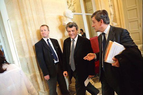 Jean-Louis Borloo dans la salle des pas perdus à l'Assemblée nationale, le 30 janvier.