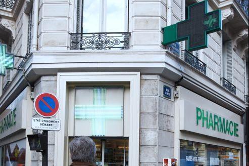 Les pharmaciens redoutent que le commerce en ligne n'ouvre la voie à la grande distribution.