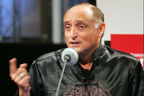 Daniel Mesguich, directeur du Conservatoire, est remis en cause par ses élèves à quelques mois de la fin de son mondat.