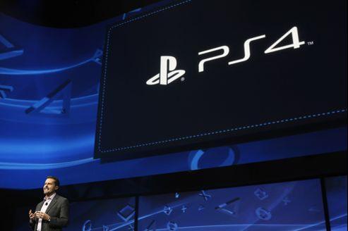 Andrew House, président de Sony Computer Entertainment, présente le dernier-né de Sony.