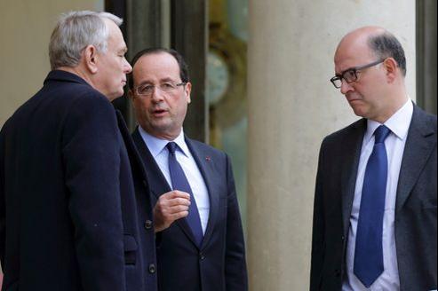 François Hollande, Jean-Marc Ayrault et Pierre Moscovici vont devoir revoir leurs prévisions.