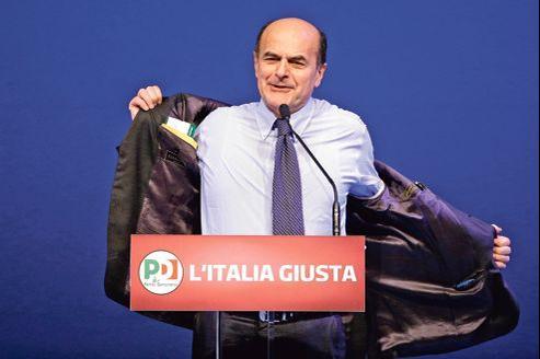 Pier Luigi Bersani, candidat du PD, (ici en meeting à Florence le 1er février)a promis d'alléger les charges sur le travail s'il est élu.