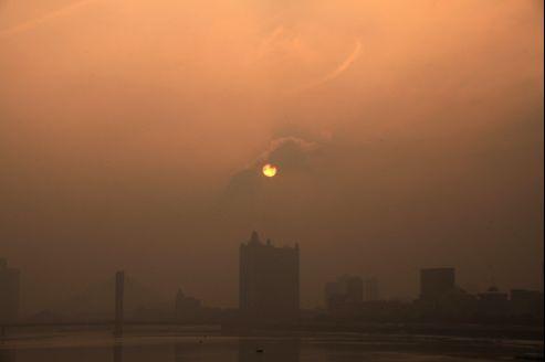 Pékin, fin janvier, enveloppée dans un nuage de pollution.