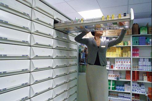 Les pharmaciens seront contraints de pratiquer les mêmes prix en ligne et en pharmacie. Les médicaments seront même plus chers sur Internet puisqu'il faudra ajouter le coût de la livraison au prix de vente.