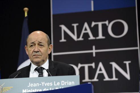 Le ministre de la Défense, Jean-Yves Le Drian, jeudi à l'Otan, à Bruxelles.
