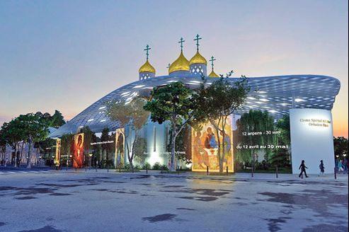 Vue d'artiste de l'église orthodoxe imaginée par l'architecte espagnol Manuel Nunez Yanovsky, avec son voile de verre. Très critiqué, ce projet va être annulé et entièrement revu par Jean-Michel Wilmotte.