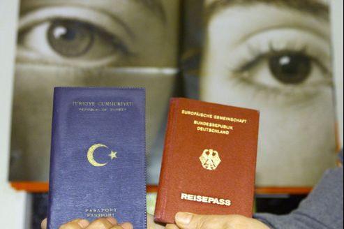 L'Allemagne compte quelque 3 millions d'habitants d'origine turque, dont plus de 1,6 millions ont pour unique passeport celui de leur pays d'origine.