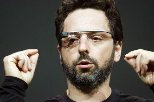 Serguei Brin espère que ses lunettes intelligentes «Google Glasses» vont remplacer les téléphones.