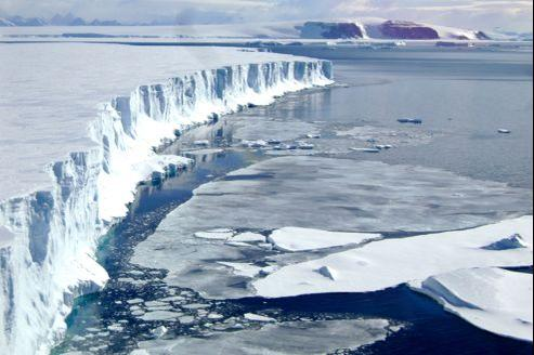 Le front du glacier Larsen B dans le nord-ouest de la mer de Weddell, en Antartique.