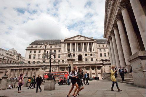 La Banque d'Angleterre, à Londres. Première place financière européenne, la City est la principale visée par le texte.