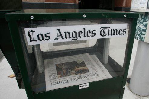 Le Los Angeles Times intéresserait particulièrement Rupert Murdoch, en raison de l'influence que le quotidien lui donnerait dans la capitale du cinéma, où son studio Fox se distingue.