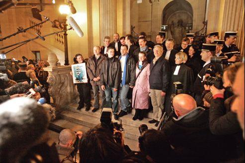 En 2005, six personnes ont été acquittées par la cour d'assises de Paris.
