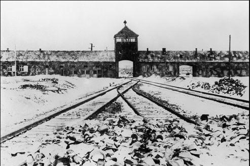 Le camp d'Auschwitz, le plus grand camp de concentration et d'extermination sous le IIIe Reich en Allemagne.