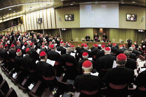 Réunion de cardinaux au Vatican, lundi. Beaucoup veulent un Vatican conçu comme un lieu de service des Églises continentales et non comme un lieu de pouvoir.