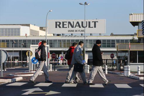 a direction du groupe automobile, dont le chiffre d'affaires a chuté de 3,2% en 2012, entend gagner 300 euros environ par voiture produite en France.