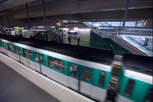 La ligne 7 est la mieux pourvue en trains, avec un train par minute aux heures de pointe, quand la 13, souvent montrée du doigt, n'en a que 52 par heure.