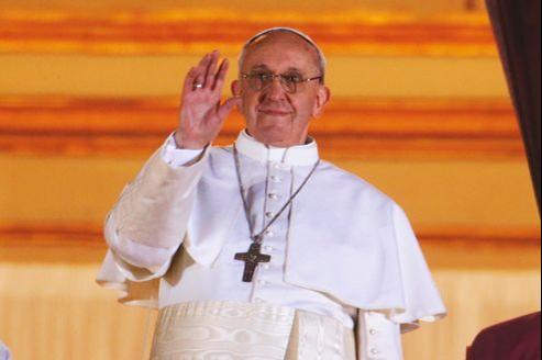 Dans une curie touchée par le scandale, l'austérité et la simplicité du cardinal argentin séduisent.