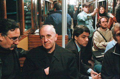 Jorge Margo Bergoglio dans le métro de Buenos Aires, en octobre 2008.