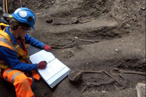 Les ossements gisaient à 2,5 mètres de profondeur dans le quartier de Farrington, dans le centre de Londres.