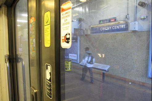 La gare de Grigny-Centre, théâtre d'une spectaculaire agression de voyageurs par une bande organisée, samedi dernier.