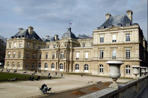 Vue extérieure du bâtiment du Sénat, à Paris.