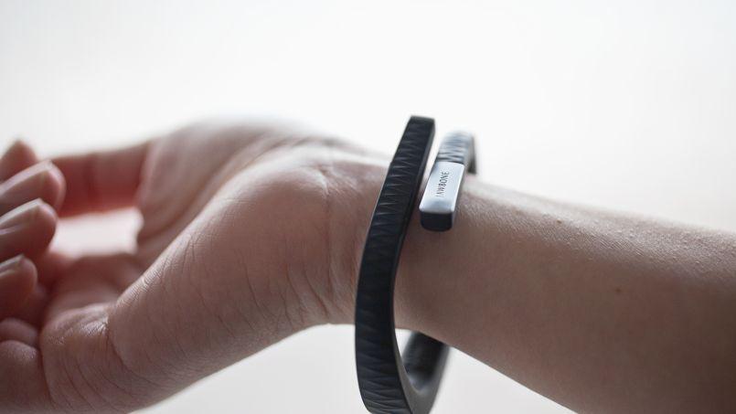 UP by Jawbone fait partie de cette première génération d'objets connectés intelligents qui devraient envahir notre vie.