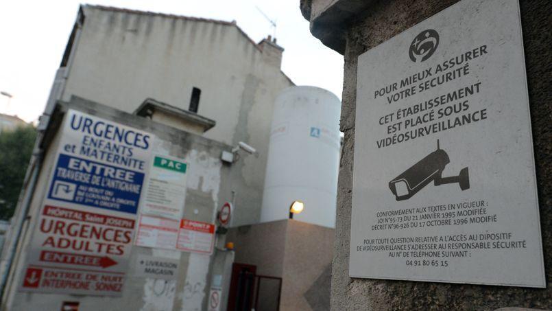 L'Hôpital Saint-Joseph de Marseille dispose déjà de caméras de vidéosurveillance. Le bracelet électronique représente une sécurité supplémentaire.