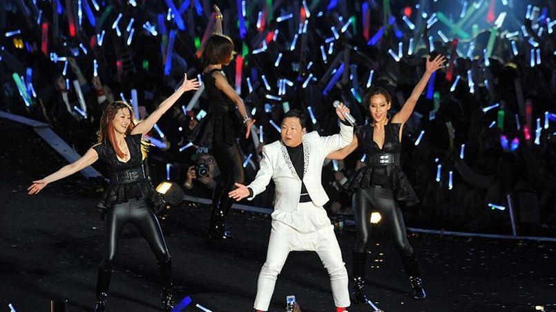 Le chanteur sud-coréen Psy a donné samedi à Séoul un mégaconcert, retransmis en direct sur YouTube, pour lancer son nouveau single «Gentleman».