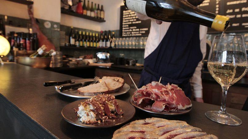 Petites assiettes originales et vins pointus chez Septime la Cave.