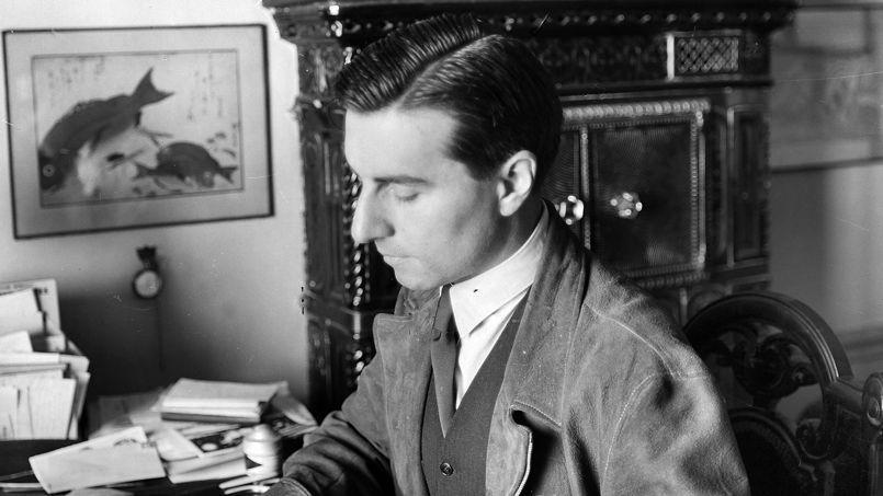 Tenir son journal, «une curieuse habitude» à laquelle sacrifia Julien Green (ici vers 1935) sa vie durant.