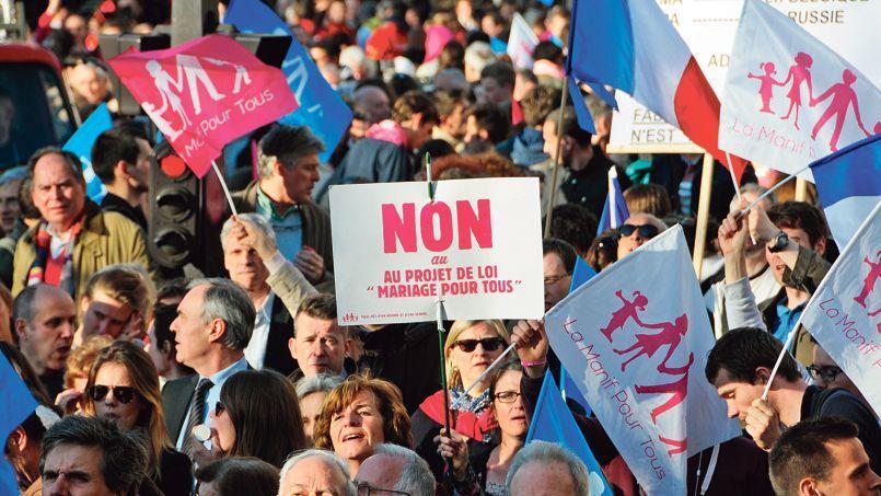 Manifestation d'opposants au mariage pour tous, mardi à Paris.