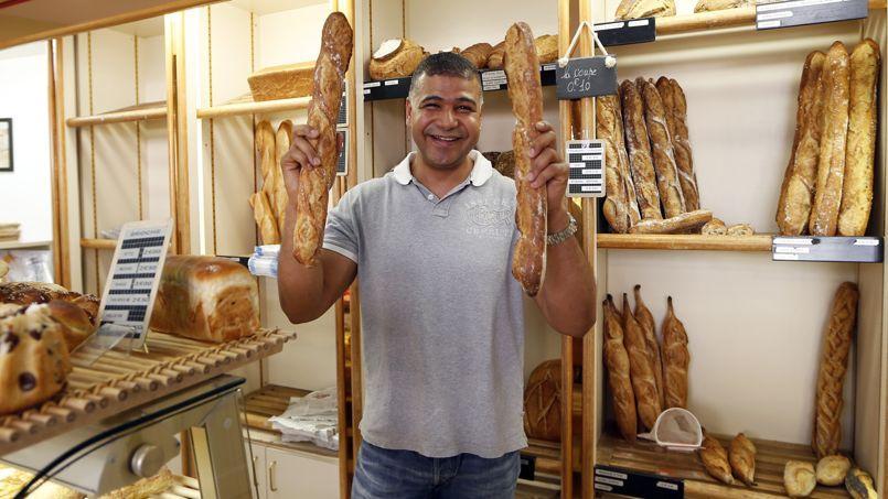 Au Paradis du Gourmand, la boulangerie de Ridha Khadher, remporte le prix de la meilleure baguette 2013 et fournira l'Élysée pendant un an.