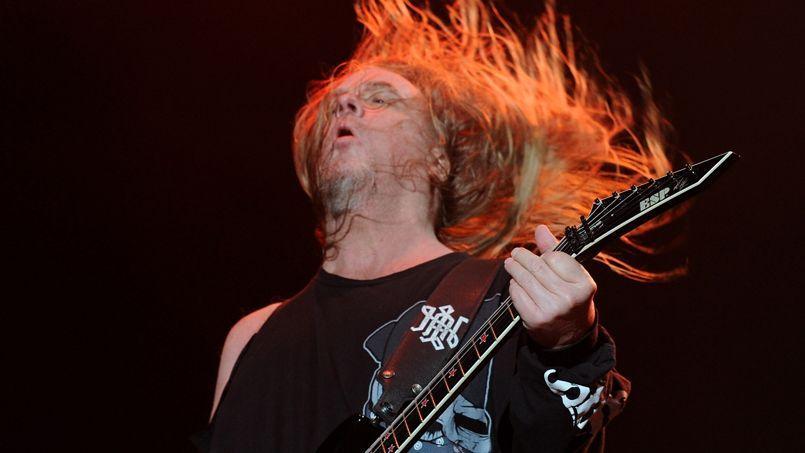 Jeff Hanneman, dans un de ses réputés solos de guitare, lors du «Big 4» à l'Empire Polo Club en Californie en avril 2011.
