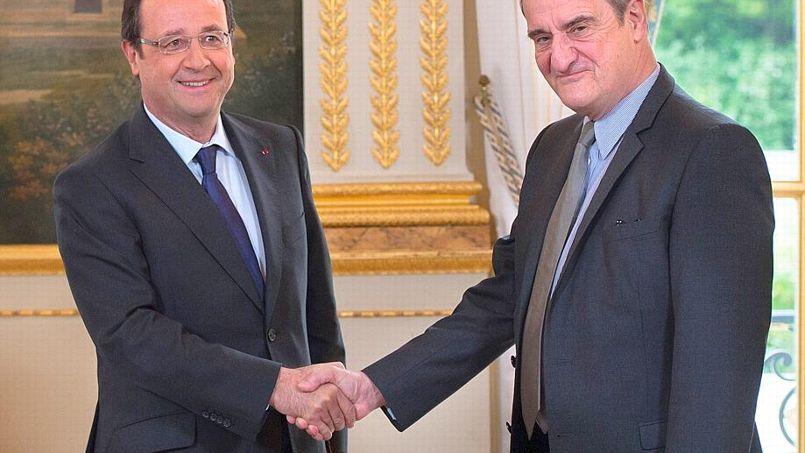 Pierre Lescure a remis à François Hollande son rapport sur les adaptations de l'exception culturelle française