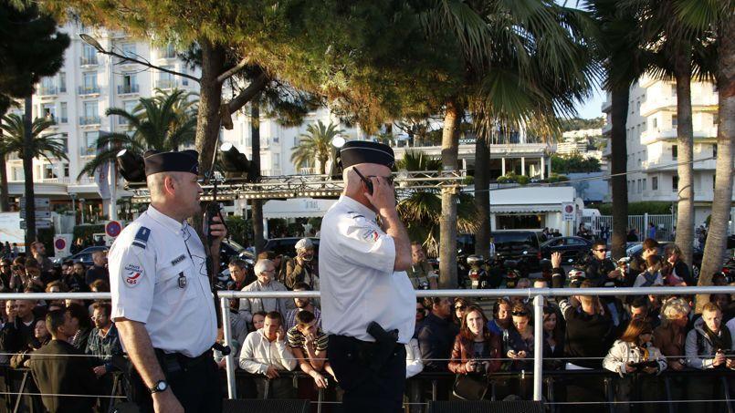 Cannes : «Le Grand Journal» de Canal+ interrompu après deux coups de feu