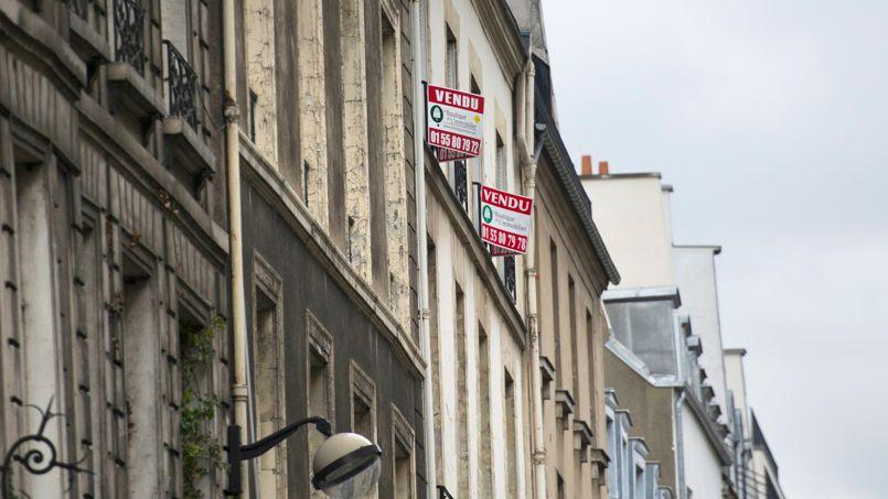 Après avoir reculé de 1,9% l'année dernière, les prix de l'immobilier ne devraient pas baisser de plus de 3% en France selon la Fnaim.