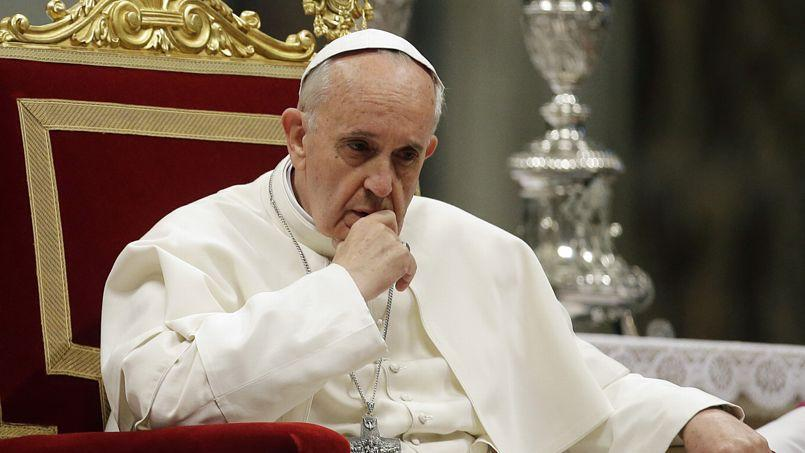 Le pape François, jeudi soir dans la basilique Saint-Pierre, lors de la 65eassemblée générale de l'épiscopat italien.
