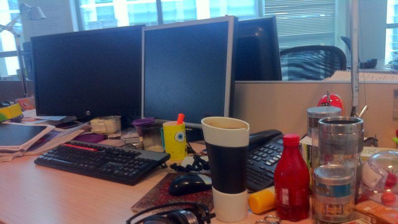 Le bureau d'un travailleur peut parfois révéler des facettes de sa personnalité. (DR)