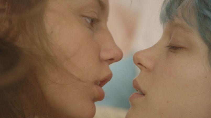 Adèle Exarchopoulos et Léa Seydoux ont provoqué une onde de choc sensuelle sur la Croisette.