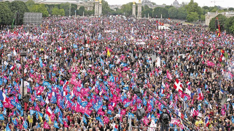 La manifestation qui a eu lieu dimanche a rassemblé 150.000 manifestants selon la police, 1 million selon les organisateurs.