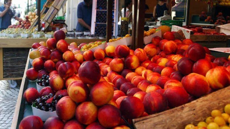 Les productions de fruits et légumes accusent un retard de deux à trois semaines en raison du mauvais temps, mais la consommation en berne contient une flambée des prix. Crédit: Sébastien SORIANO / Le Figaro.
