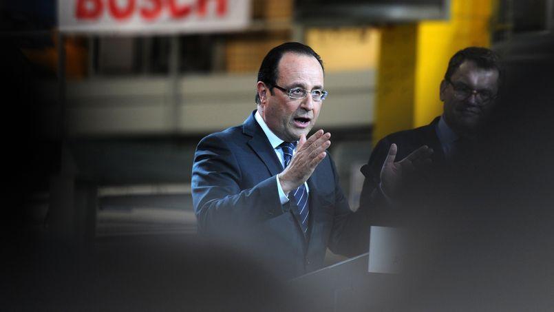 François Hollande, le 29 mai à Rodez. «Je fais une politique qui doit inverser la courbe du chômage à la fin de l'année 2013 et après en 2014, continuer à réduire le chômage», a dit le président.