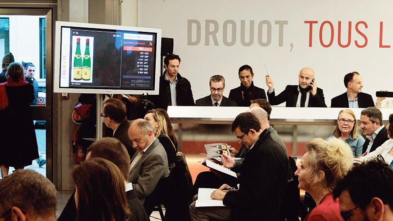La salle des ventes où se déroulait la vente à l'hôtel Drouot, jeudi soir.