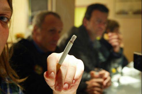 Le tabac coûte chaque année 3% du PIB et l'équivalent de 772 euros par habitant.